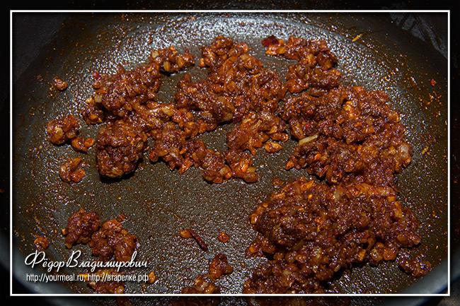 Карривурст - сосиски в соусе карри