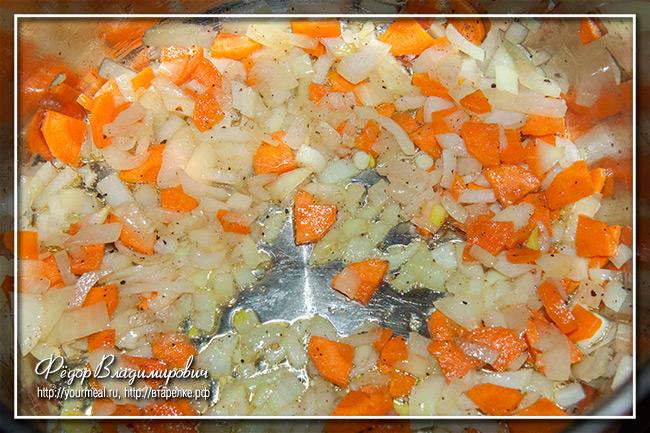 Французский суп с капустой и фасолью
