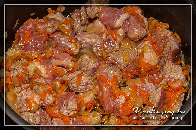 Жаркое по-домашнему. Тушеное мясо с картошкой