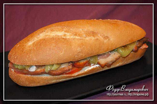Серранито (Serranito)- андалузский сэндвич с жареной свининой