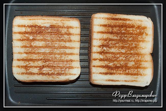 Сэндвич с жареным сыром, помидором и острым перцем