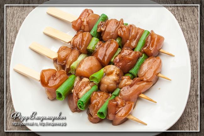 Якитори негима - японские шашлычки из куриного бедра с зеленым луком