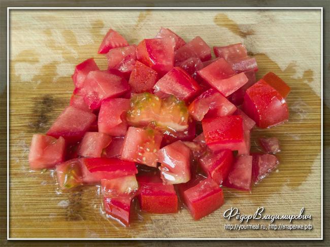 Хот-дог с помидорами. Традиционный хот-дог штата Теннесси.